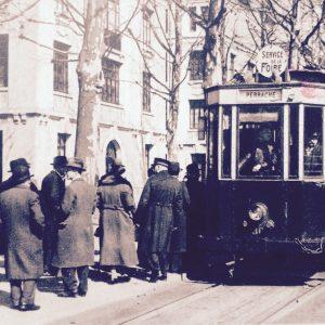 Le tramway qui permet de se rendre à la foire © Collection particulière Bruno Benoit